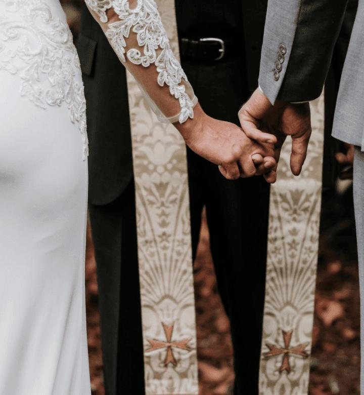 Esküvők_left